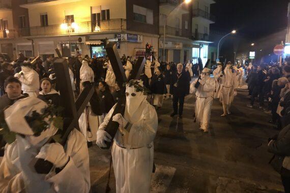 La processione degli Incappucciati